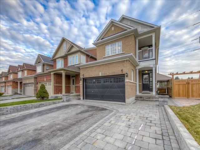 455 Mahogany Crt Pickering