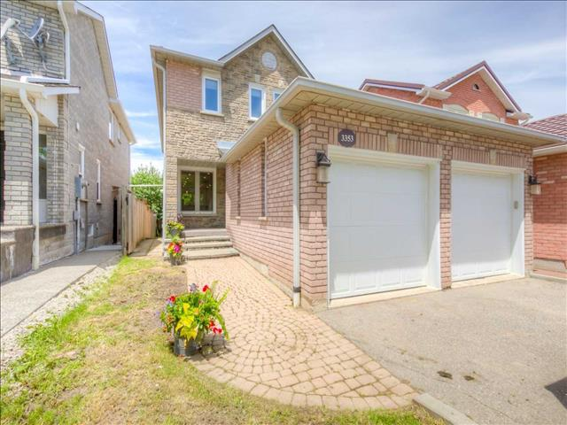 3353 Beau Rivage Cres